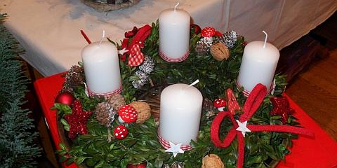 Christkindlmarkt in St. Lorenz am ersten Adventswochenende