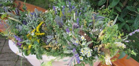 Kräuterbuschen zu Mariä Himmelfahrt in allen drei Kirchen