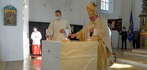 Impressionen von der Altarweihe St. Lorenz