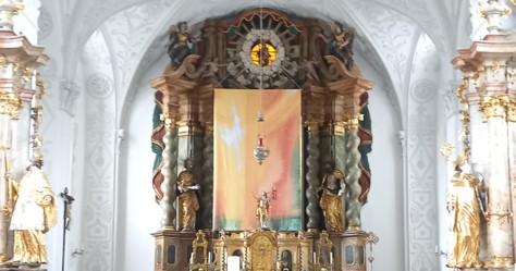 Altarbild in der Osterzeit